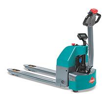 Akumulatorowy unoszący wózek widłowy Ameise® z dyszlem i wagą, typ EPM 113W. Udźwig 1300 kg.