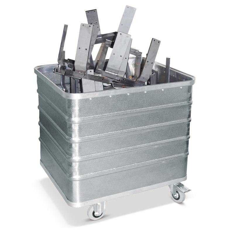 Alu-Kastenwagen mit Vollwand. Volumen bis 322 Liter