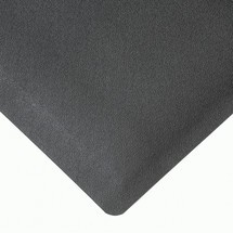 Anti-fatigue mats with rubber surface