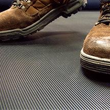 Antirutschmatte aus Naturgummi, Mattenhöhe wahlweise 3 mm oder 6 mm