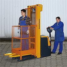 Arbeitsbühne Mini für Elektro-Stapler. Ausführung Deutschland, Tragkraft 180 kg