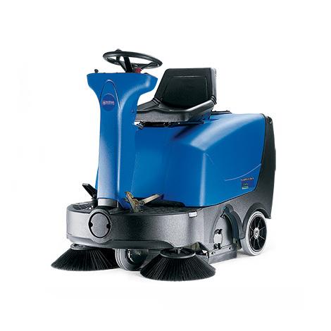 Aufsitz-Kehrmaschine Nilfisk Floortec R 360. Kehrbreite 1000 mm