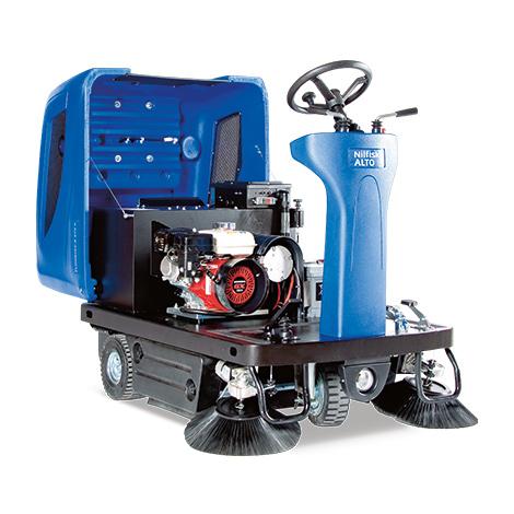 Aufsitz-Kehrmaschine Nilfisk Floortec R 670. Kehrbreite 1260 mm