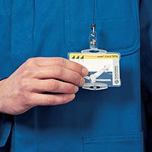 Ausweishalter für 2 Betriebsausweise, Wahlweise mit und ohne Befestigung