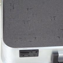 Blokken schuimrubber voor alu-apparatenkoffer
