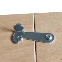 Blokowanie ruchomych stołów warsztatowych
