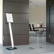 Bodenständer DURABLE Info Sign mit Aluminiumtafel