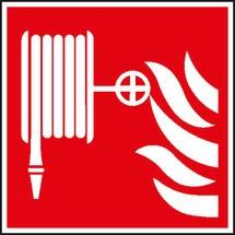 Brandschutzschild – Löschschlauch mit Flammen