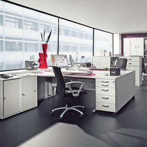 Büroschrank JOBexpress mit kurzen Türen