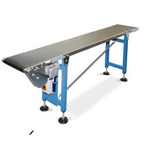 Cinta transportadora accionada, capacidad de carga máx. 15 kg/m de longitud de la correa