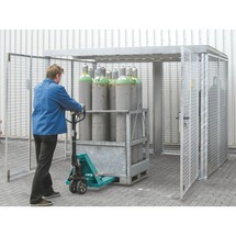 Container med tak för gasflaskor