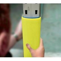 Déflecteur en plastique pour montants de rayonnage