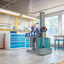 Elektro-Stapler Ameise ® EPL 110. Tragkraft 1000 kg, Hubhöhe bis 1600 mm