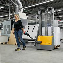 Elektro-Stapler Jungheinrich EJC M10 ZT - Duplexmast, Hubhöhe bis 3300 mm, Tragkraft 1000 kg