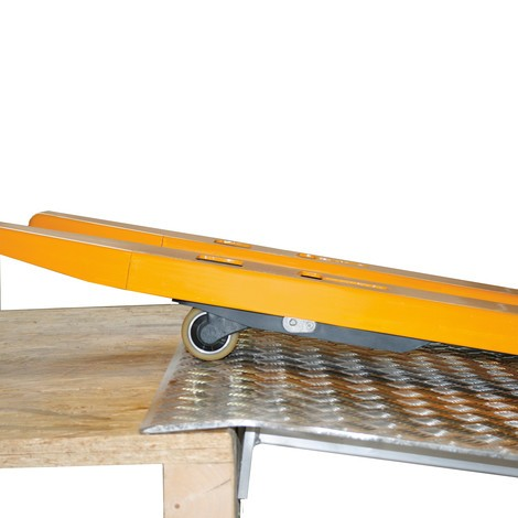 elektro stapler jungheinrich emc 110 rampenkomfort. Black Bedroom Furniture Sets. Home Design Ideas