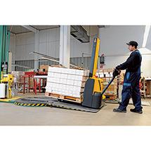 Elektro-Stapler Jungheinrich EMC 110 Rampenkomfort - Monomast, Hub bis 2000 mm, Tragkraft 1000 kg