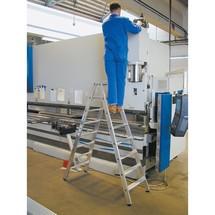 Escabeau à marches KRAUSE® , accessible des 2 côtés, grande rigidité garantie par sertissage en aluminium