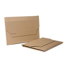 Faltkarton in diversen Größen, aus ein- oder zweiwelliger Wellpappe.