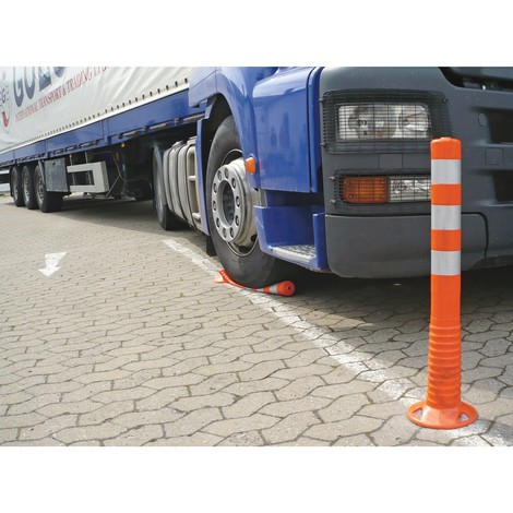 Flexible barrier posts