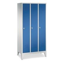 Garderobekast, poten+gleuven+draaivergrendeling, 3x400 mm