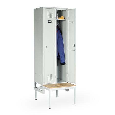 Garderobenschrank, 2100x907x500, Bank, Abteilbreite 300mm, durchgehend