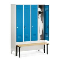 Garderobenschrank C+P Classic mit vorgebauter Sitzbank aus Holz, 4 Abteile à 400 mm, Zylinderschloss
