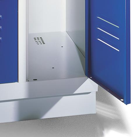 Garderobenschrank,Sockel+Löcher+Drehriegelverschl, 3x400 mm