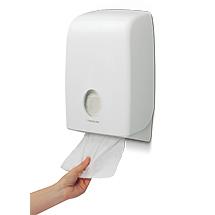 Handtuchspender Kimberly-Clark. Einzelblattspender