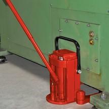Hydraulische machineheffer. Capaciteit 8000 kg