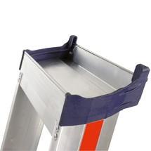 Industriële trap Premium HYMER® met platform + beugel. Aan één zijde oploopbaar