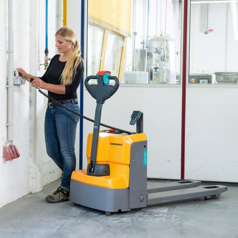 Jungheinrich EJE M13W electric pallet truck with weighing scale, 1300 kg capacity