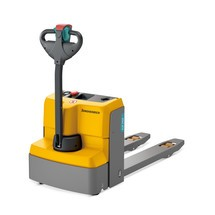 Jungheinrich EJE M15 electric pallet truck, width across the forks 670 mm