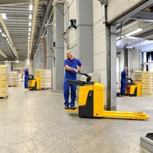 Jungheinrich powered pallet truck ERE 120