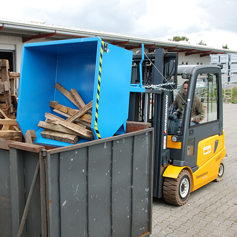 Kippbehälter, niedrige Bauhöhe, Tragkraft 1500 kg, Volumen 1 m³, lackiert