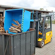 Kippbehälter, niedrige Bauhöhe, Tragkraft 750 kg, Volumen 0,3 m³, lackiert