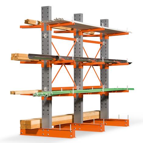 Kragarmregal doppelseitig. 4-6 Ständer. Tragkraft bis 500kg je Arm, Höhe 2964mm