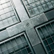 Kruisverbinding voor lage lekbak uit staal, capaciteit 6.500 kg/m²