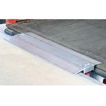 Laadbrug met wiel. Capaciteit 4000 kg, smalle tussenafstanden 19 - 46 cm