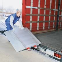 Laadbrug met wielen. Capaciteit tot 5000 kg, brede tussenafstanden
