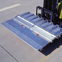 Laadbrug voor containers. Inklapbaar, capaciteit 6000 kg