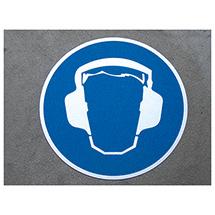 m2-Antirutsch-Bodenmarkierer, Gehörschutz tragen