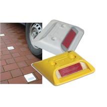 Marcador de pavimento com refletores