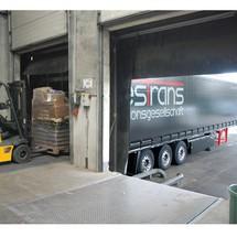 nakládací opěra pro nákladní auta