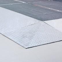 Oprijhoek voor lage lekbak uit staal, capaciteit 6.500 kg/m²