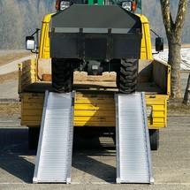 Oprijplaten voor zwaar materieel, met beschermrand. Capaciteit tot 5320 kg