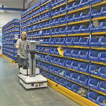 Orderverzamellift PUSH + handmatig, max. werkhoogte 4,17 meter.