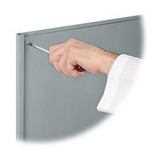 Paroi arrière pour systèmes de rangement à casiers rabattables