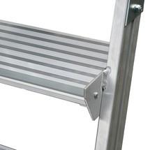 Platformladder KRAUSE ® met wielen. Dubbelzijdig. Trapleuning als accessoire.
