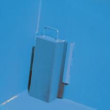 Pojemnik uchylny na wióry, niska zabudowa, zkieszeniami wjazdowymi, lakierowany, pojemność 0,3 m³