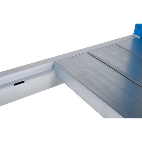 Półka do regału odużej rozpiętości zpanelami stalowymi, błękitno-jasnoszara